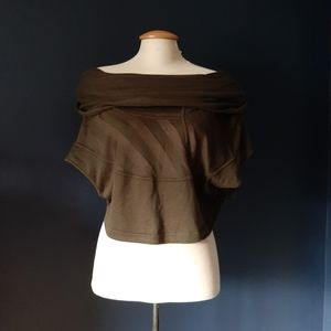 Army green top medium to large